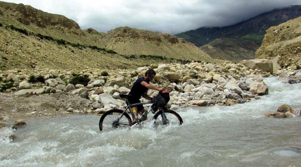 mountain bike tour in nepal