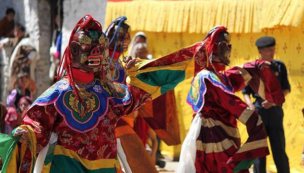 Dancing Demons st the festival. Image: flickr/Carsten ten Brink