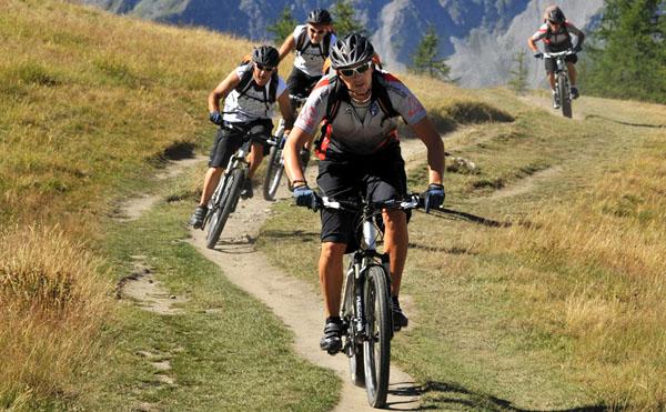 mountain-biking-nepal