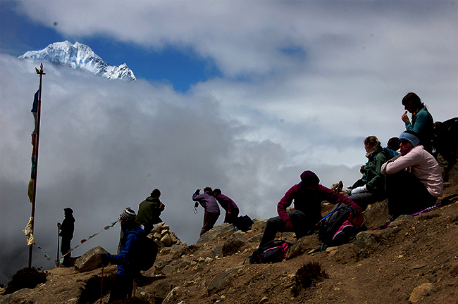 Nepal cuts Mount Everest climbing rates